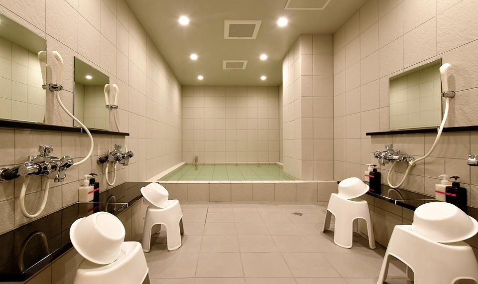 写真:男性宿泊者専用浴場